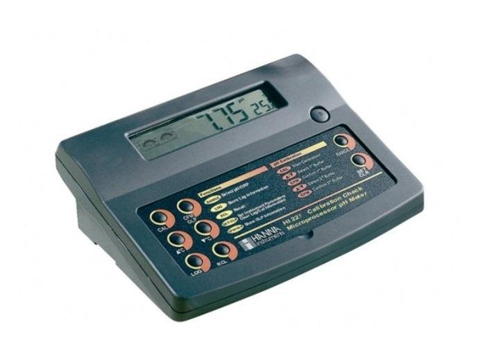 Máy đo PH / Nhiệt độ để bàn hãng Hanna HI221